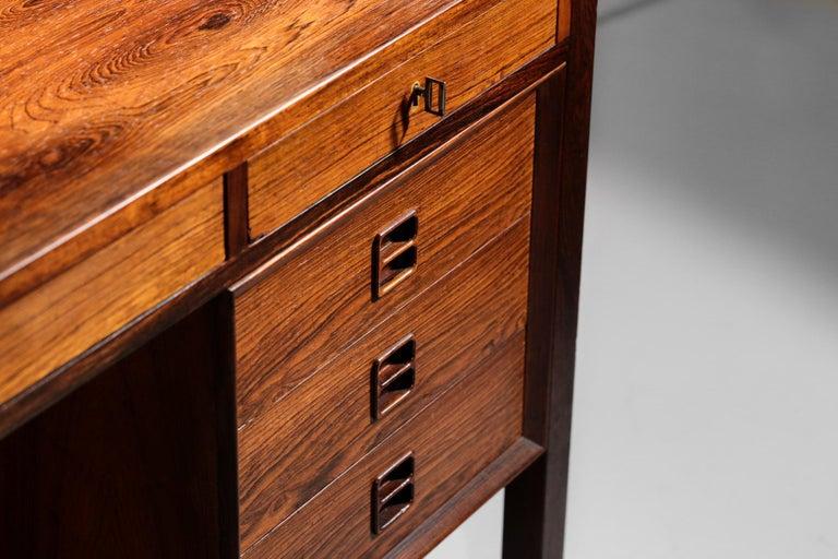 Danish Scandinavian Rosewood Desk by Arne Vodder Vintage Midcentury Design, 1960 In Excellent Condition In Lyon, FR