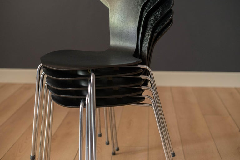 Danish Mosquito Munkegård Dining Chairs by Arne Jacobsen For Sale 5