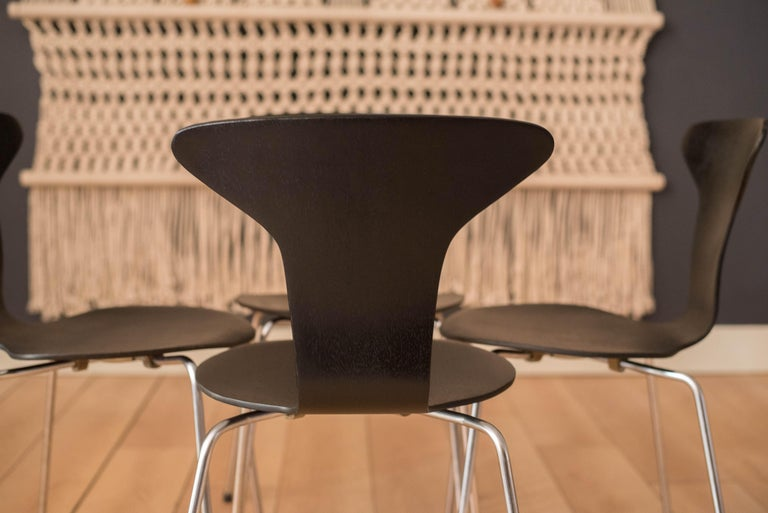 Danish Mosquito Munkegård Dining Chairs by Arne Jacobsen In Good Condition For Sale In San Jose, CA