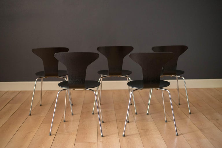 Danish Mosquito Munkegård Dining Chairs by Arne Jacobsen For Sale 1