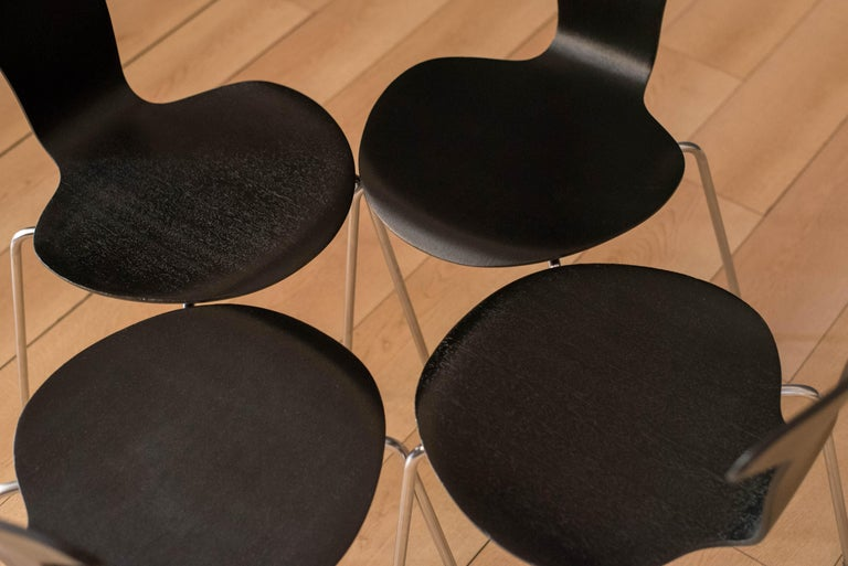 Danish Mosquito Munkegård Dining Chairs by Arne Jacobsen For Sale 3