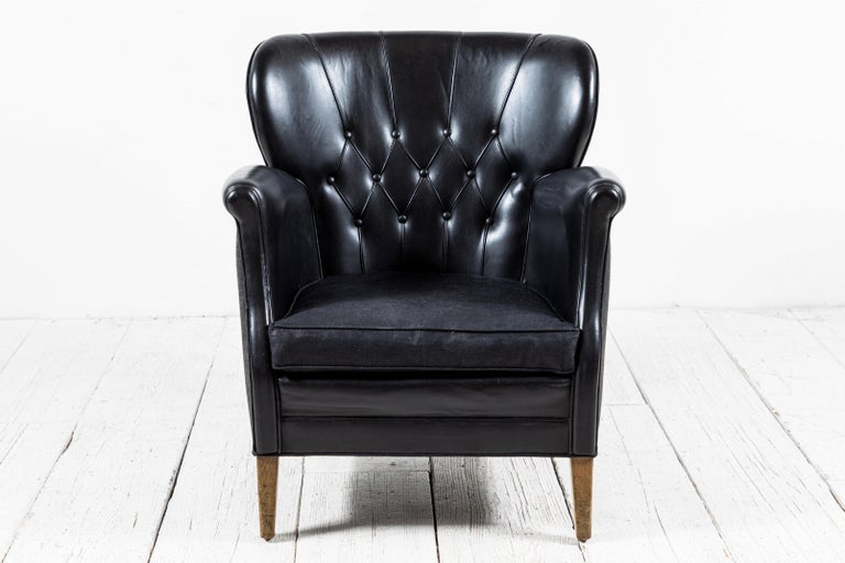 Mid-20th Century Danish Style Black Leather Tufted Pair of Chairs For Sale