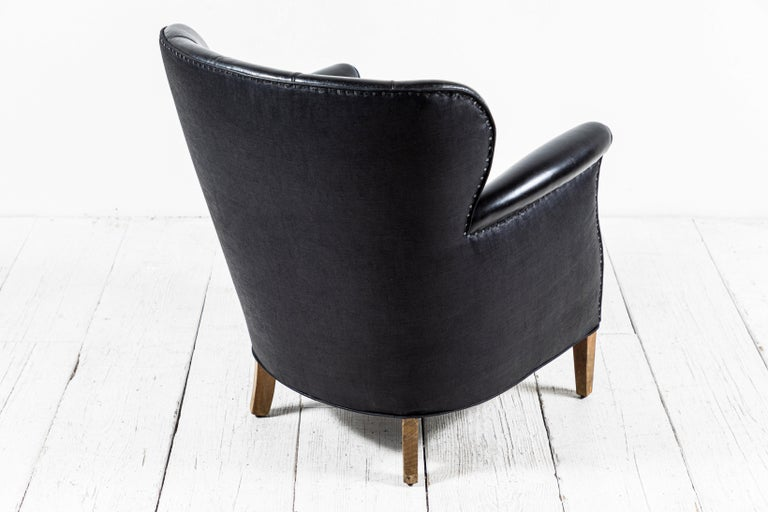 Danish Style Black Leather Tufted Pair of Chairs For Sale 2