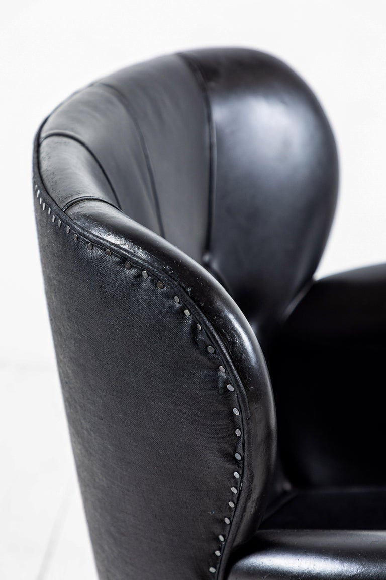 Danish Style Black Leather Tufted Pair of Chairs For Sale 4