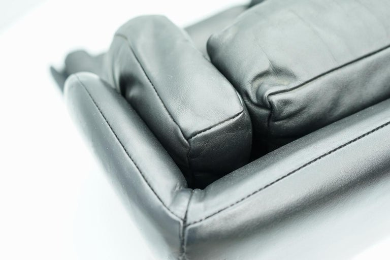 Danish Swivel Lounge Chair in Black Leather, 1960s For Sale 8