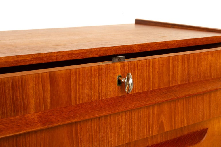 Danish Teak Chest of Drawers, 1960s For Sale 5