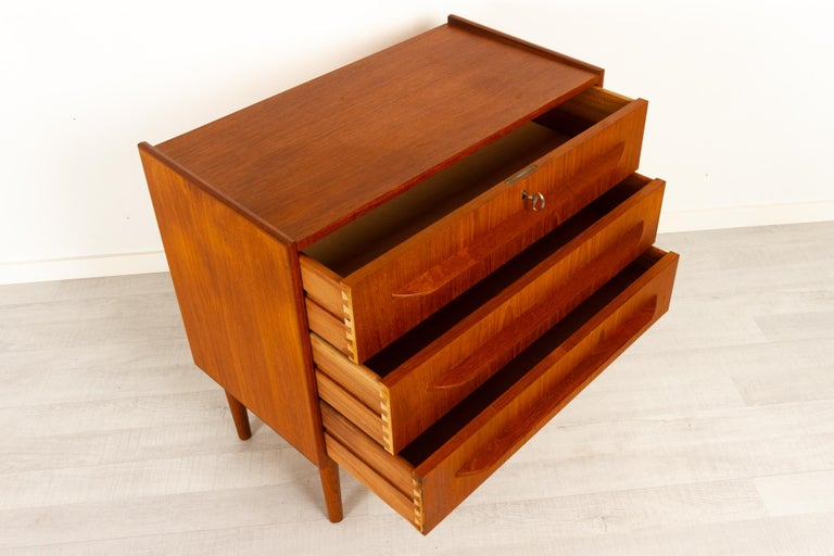 Danish Teak Chest of Drawers, 1960s For Sale 2