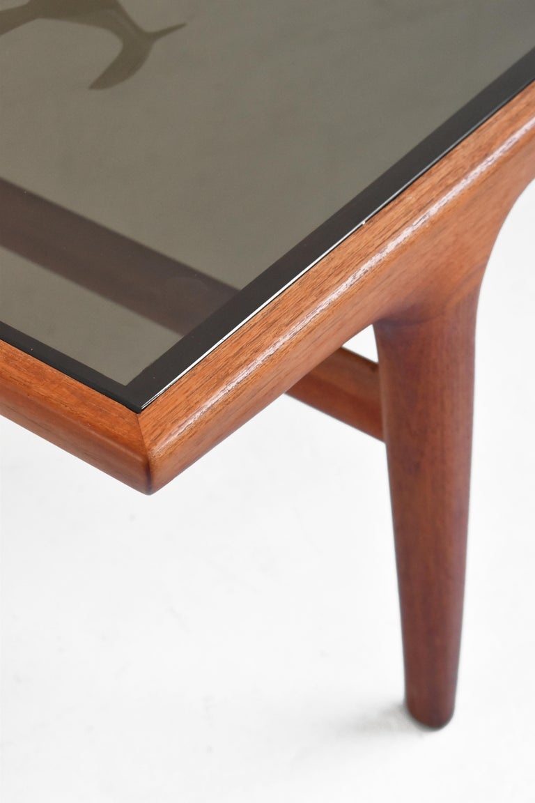 Danish Teak Coffee Table by Johannes Andersen for Uldum Møbelfabrik In Good Condition For Sale In TORONTO, CA