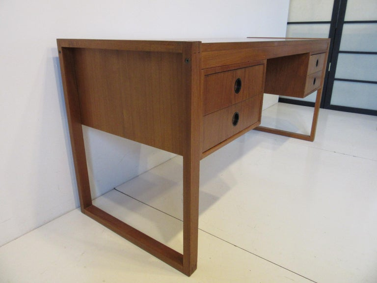 Danish Teak Desk in the Style of Henning Jensen / Torben In Good Condition For Sale In Cincinnati, OH