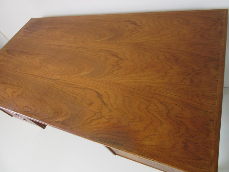 Danish Teak Desk with Bookcase in the Style of Vodder & Kai Kristiansen For Sale 5