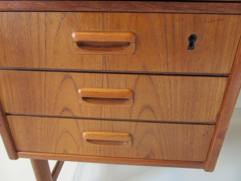 Danish Teak Desk with Bookcase in the Style of Vodder & Kai Kristiansen For Sale 4