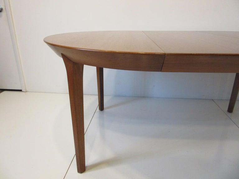 Danish Teak Dining Table by Ole Hald for Gudme Mobelfabrik In Good Condition For Sale In Cincinnati, OH
