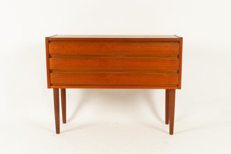 Mid-Century Modern Danish Teak Dresser, 1960s For Sale