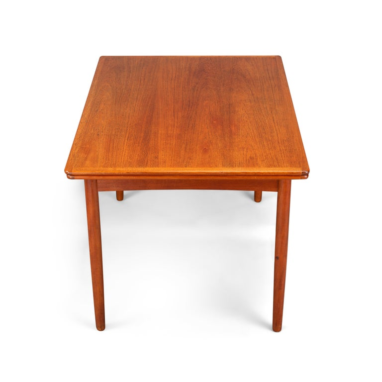 Mid-Century Modern Danish Teak Extendable Dining Table, 1960s For Sale