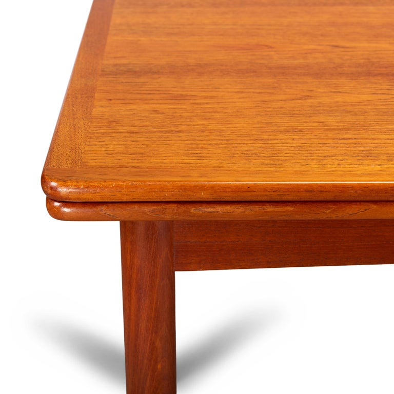 Danish Teak Extendable Dining Table, 1960s For Sale 1