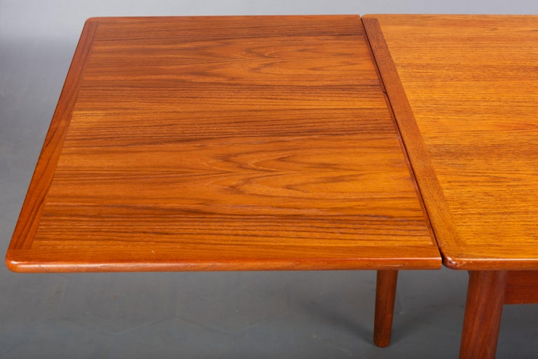 Danish Teak Extendable Dining Table, 1960s For Sale 3