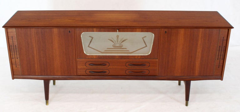 Danish Teak Long Sideboard Credenza with Art Deco Style Etched Glass Insert In Good Condition For Sale In Rockaway, NJ