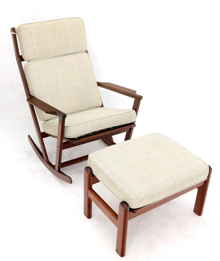 Danish Teak Mid-Century Modern Lounge Rocking Chair with Ottoman In Good Condition For Sale In Rockaway, NJ