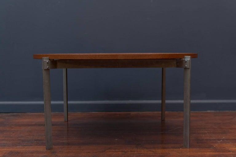 Scandinavian Modern Danish Teak Round Coffee Table For Sale