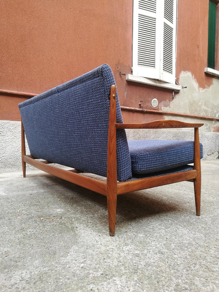 Danish Three-Seat Sofa with Armrests, 1960s In Good Condition For Sale In MIlano, IT