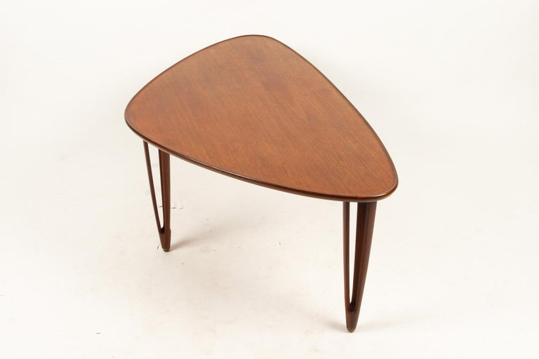 Danish Triangular Teak Coffee Tablel, 1950s In Good Condition For Sale In Nibe, Nordjylland