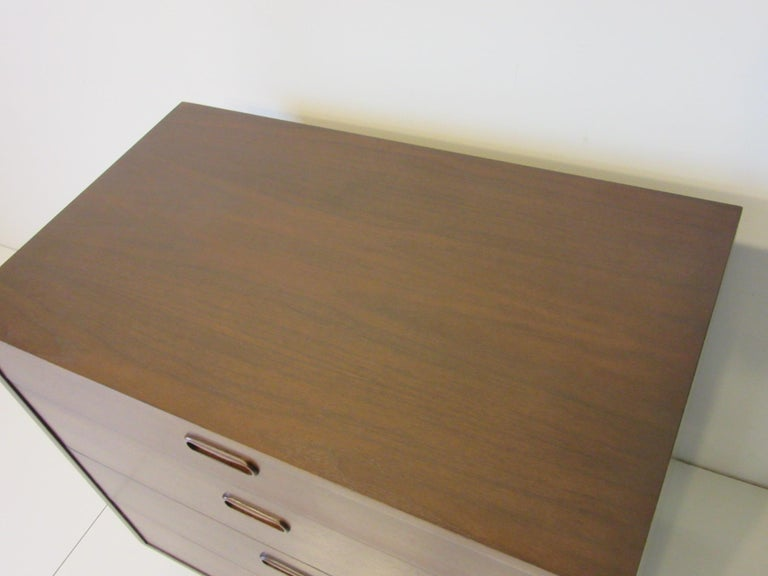 Danish Walnut Dresser / Chest by Poul Cadovius In Good Condition In Cincinnati, OH