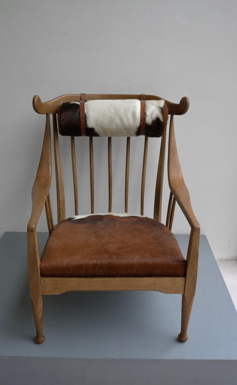 Danish Well Crafted Cowhorn Lounge Chair in Solid Oak with Cowhide and Nekroll For Sale 4