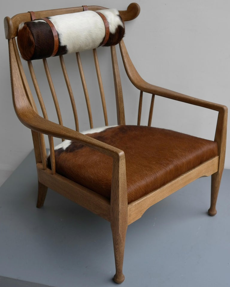 Danish Well Crafted Cowhorn Lounge Chair in Solid Oak with Cowhide and Nekroll For Sale 5
