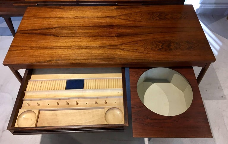 Danish Wooden Coffee Table with Haberdashery Drawers In Good Condition For Sale In Madrid, ES