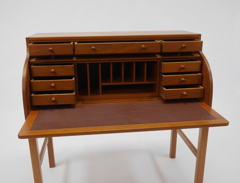 Danish Writer's Desk in Teak by Andreas Hansen In Good Condition For Sale In Hadley, MA
