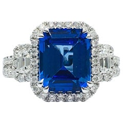 Danwak Collection 18 Karat Gold 4.44 Carat Tanzanite & 0.90 Carat Diamonds Ring