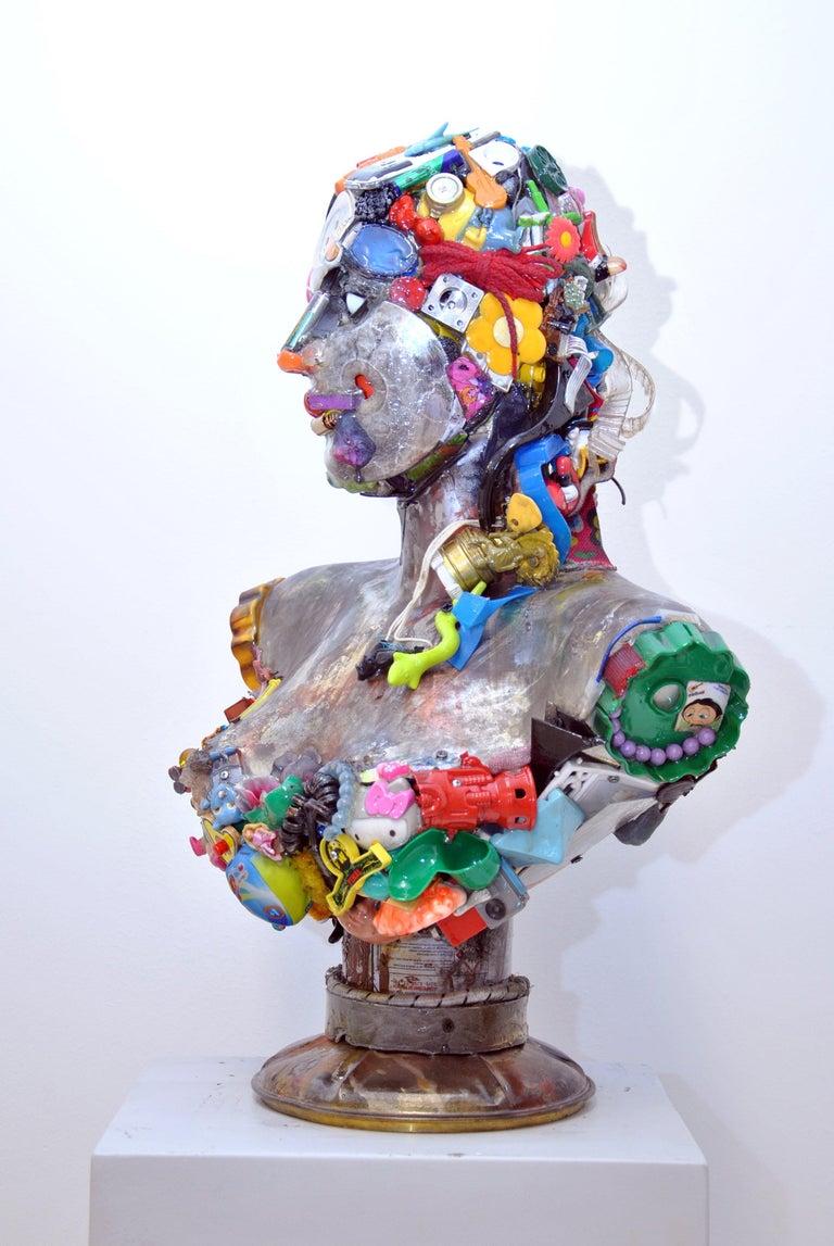 Busto di Donna Sculpture by Dario Tironi For Sale 1