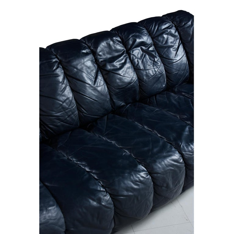 Dark Blue Italian Leather Sofa in the Manner of De Sede In Excellent Condition For Sale In Saint Petersburg, FL