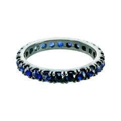 Dark Blue Sapphires 1.60 Carats Set in Black 18kt Gold, Unisex Eternity Ring