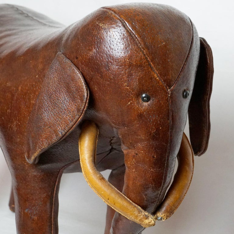 Dark Brown Leather Elefant Footstool by Dimitri Omersa for Abercrombie & Fitch In Good Condition For Sale In Vienna, AT