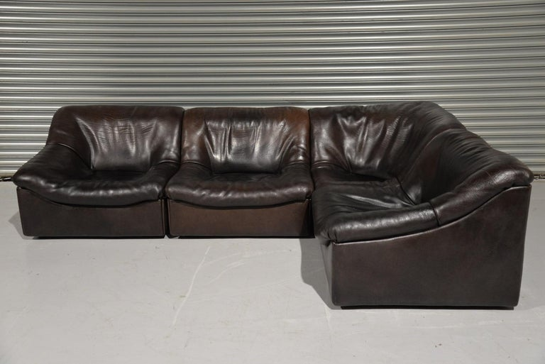 Discounted airfreight for our US and International customers (from 2 weeks door to door).  We are delighted to bring to you a beautiful sectional model DS 46 Buffalo leather sofa of the highest quality by De Sede. This sofa, consisting of 4