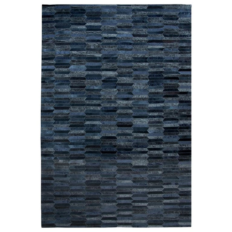 Dark Gray Olio Customizable Cowhide and Viscose Area Floor Rug Large For Sale
