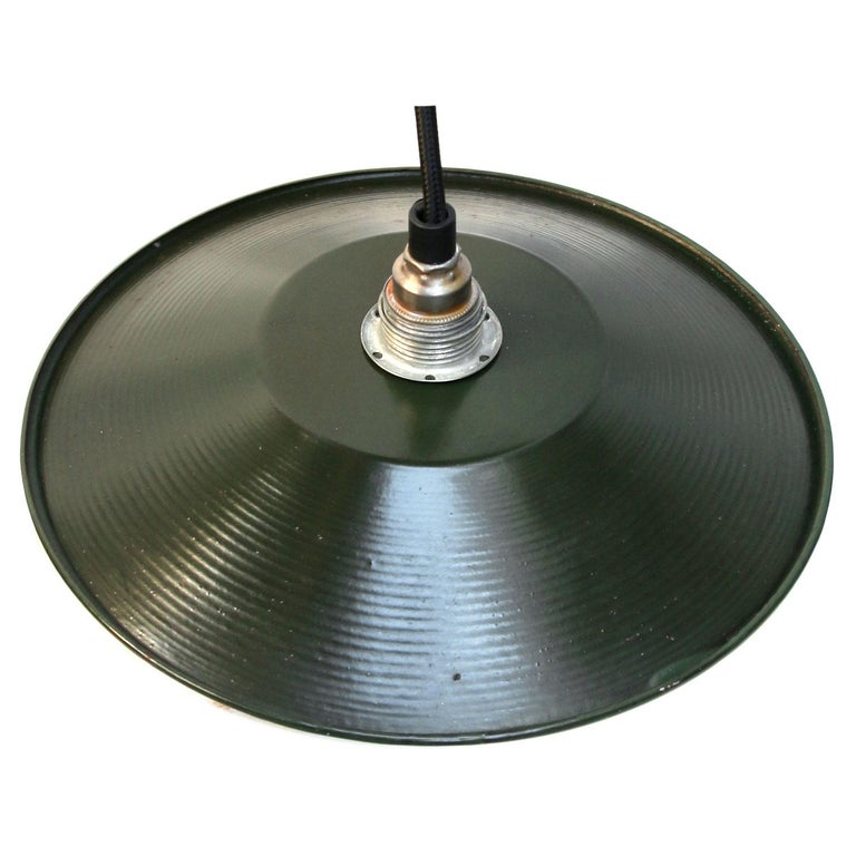 Dark Green Enamel French Vintage Industrial Pendant Light In Good Condition For Sale In Amsterdam, NL