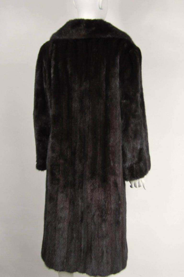 Women's or Men's Dark Ranch Mink Coat Medium Stunning Classic Timeless  For Sale