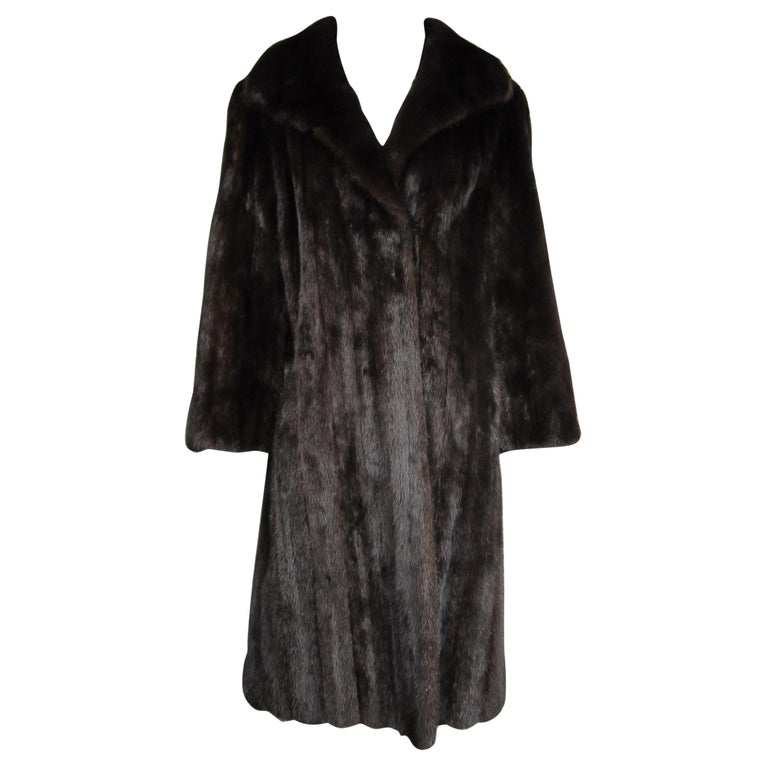 Dark Ranch Mink Coat Medium Stunning Classic Timeless  For Sale