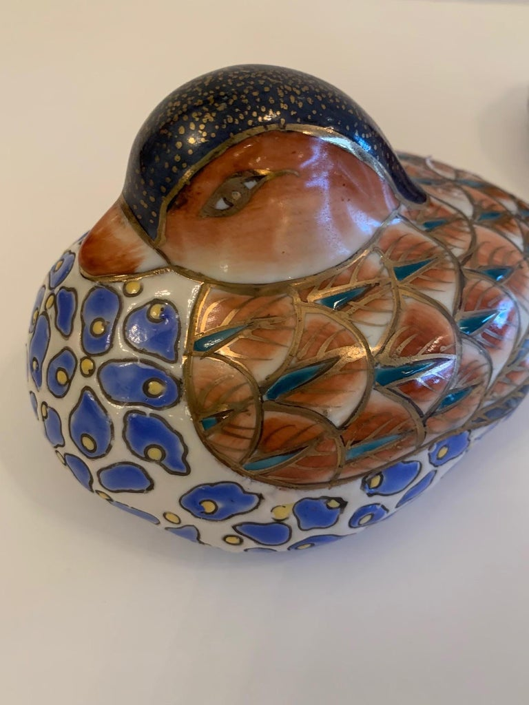 Darling Pair of Imari Style Porcelain Birds In Good Condition In Hopewell, NJ