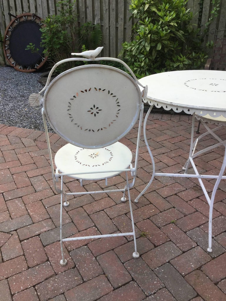 Darling Vintage Outdoor Bistro Table and Chairs In Good Condition For Sale In Hopewell, NJ