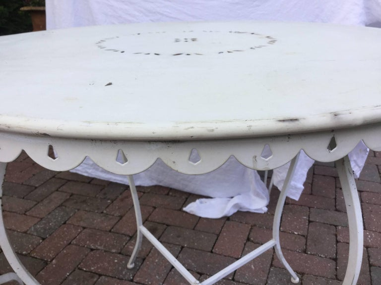 Late 20th Century Darling Vintage Outdoor Bistro Table and Chairs For Sale