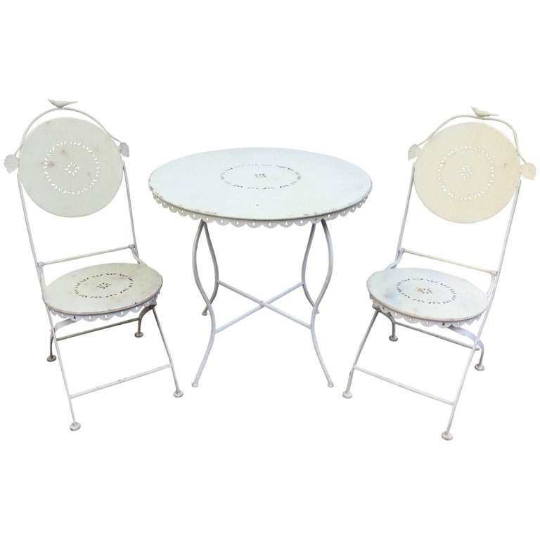 Darling Vintage Outdoor Bistro Table and Chairs For Sale