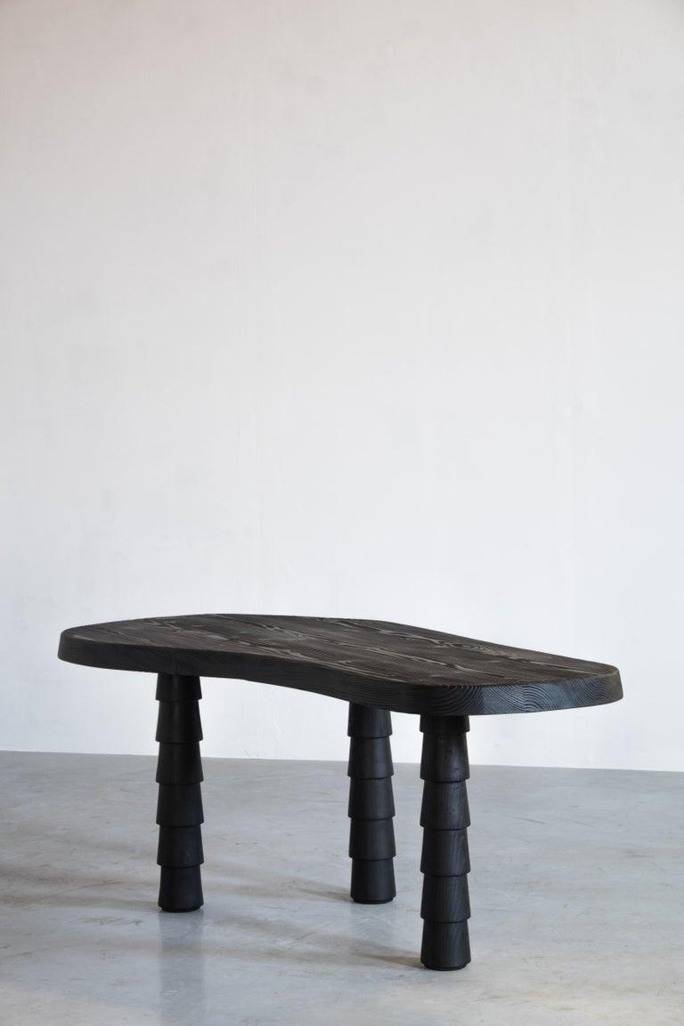 Data Table Four Legged in Oregon by Atelier Thomas Serruys For Sale 4