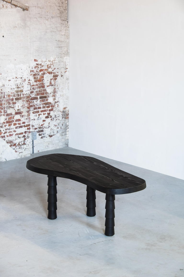 Data Table Four Legged in Oregon by Atelier Thomas Serruys For Sale 2