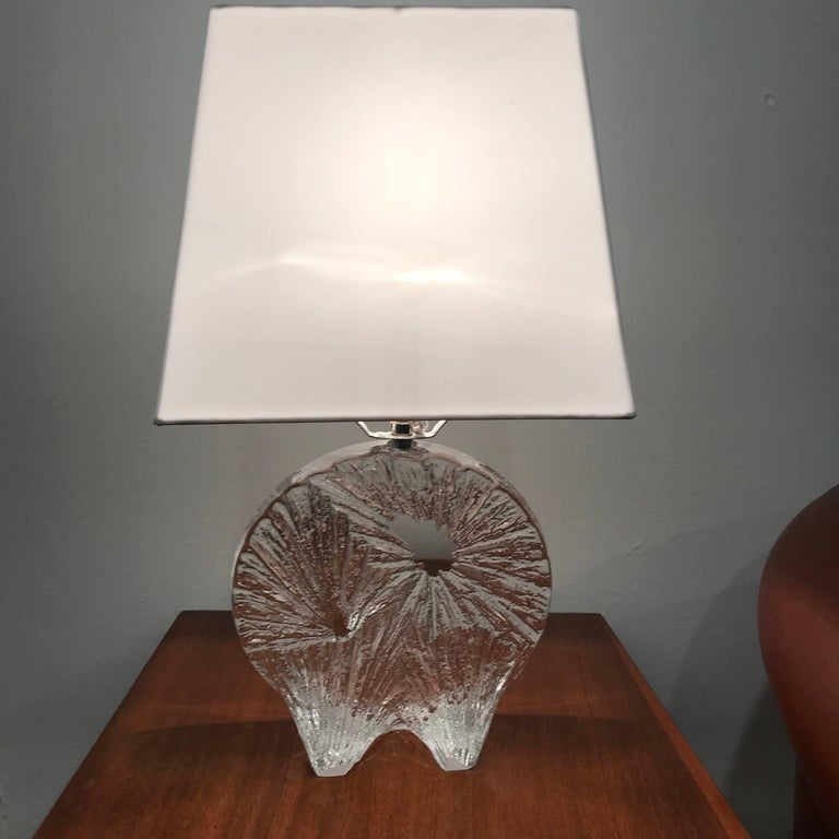 Mid-Century Modern Daum Crystal French 1960 Table Lamp For Sale
