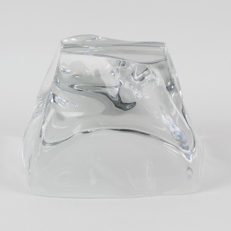 Daum France Crystal Paperweight Sculpture In Excellent Condition For Sale In Atlanta, GA