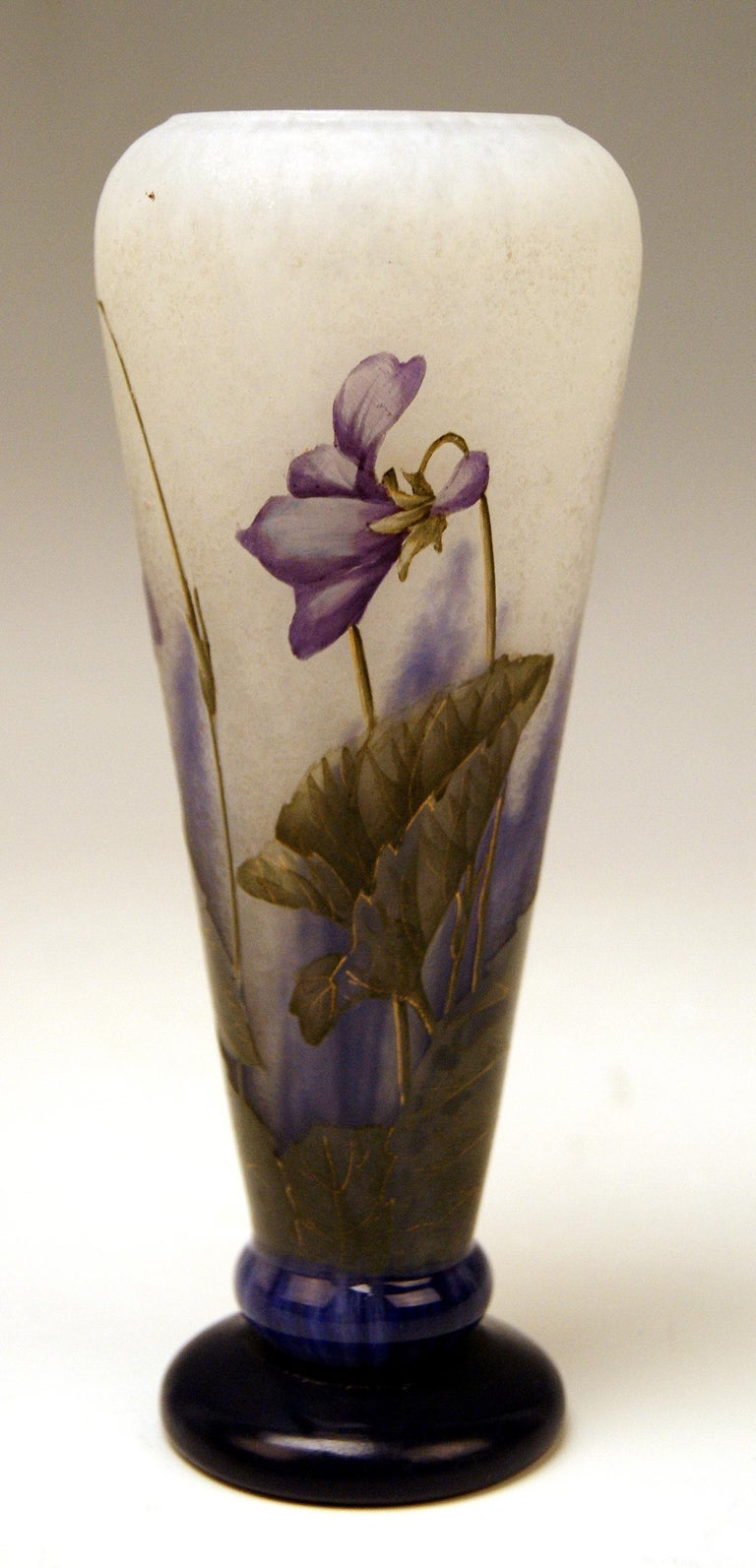 Daum Nancy Cameo finest as well as early art glass oblong tapering vase of Art Nouveau period.