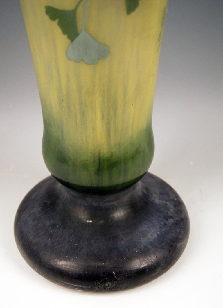 Daum Nancy France Art Nouveau Huge Vase Gingko Leaves, circa 1900 In Good Condition For Sale In Vienna, AT